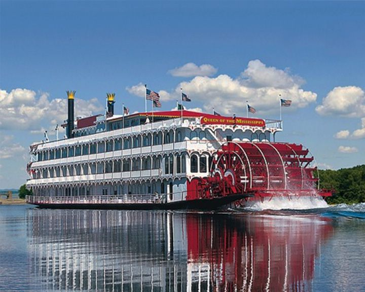 famous ships, American Queen steamboat