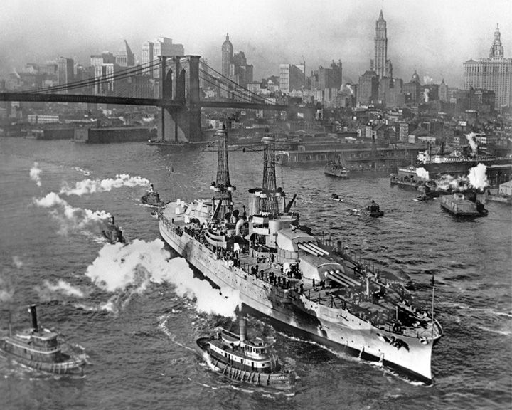famous ships, USS Arizona