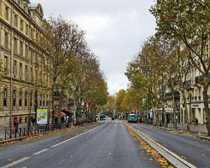 famous streets Boulevard Saint-Michel