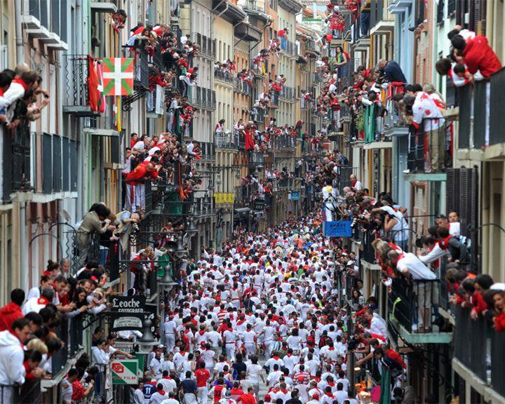 famous streets Calle Estafeta
