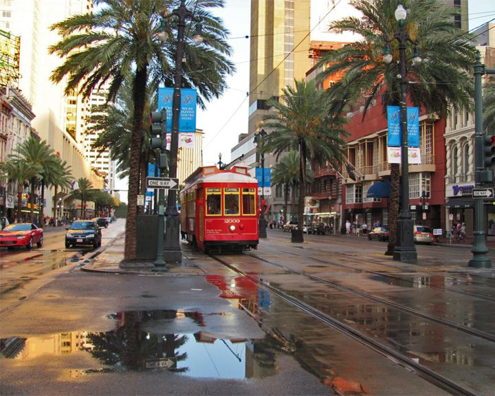 famous streets Canal Street (New Orleans)