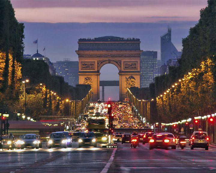 famous streets Champs-Élysées