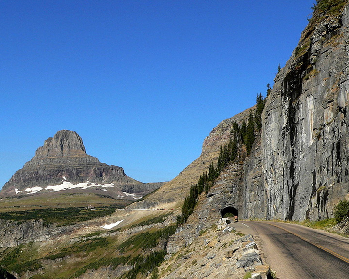 famous streets Going to the Sun Road