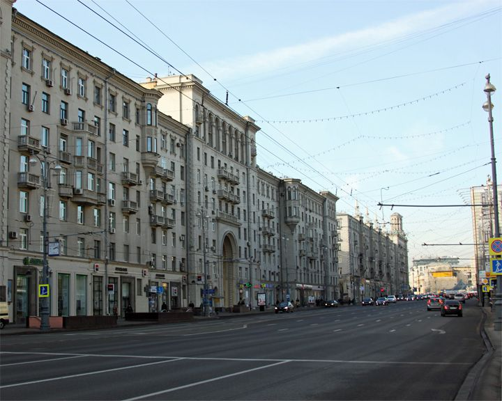 famous streets Tverskaya Street