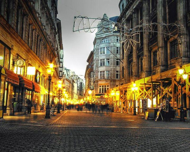 famous streets Váci Street