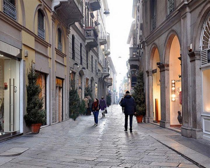 famous streets Via Monte Napoleone