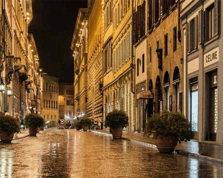 famous streets Via Tornabuoni